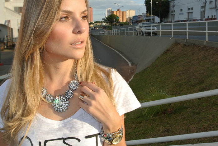 Look do dia: Saia Lápis + T-shirt!