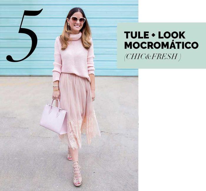 Layla Monteiro saia de tule rosa claro rose look monocromático transparência como usar