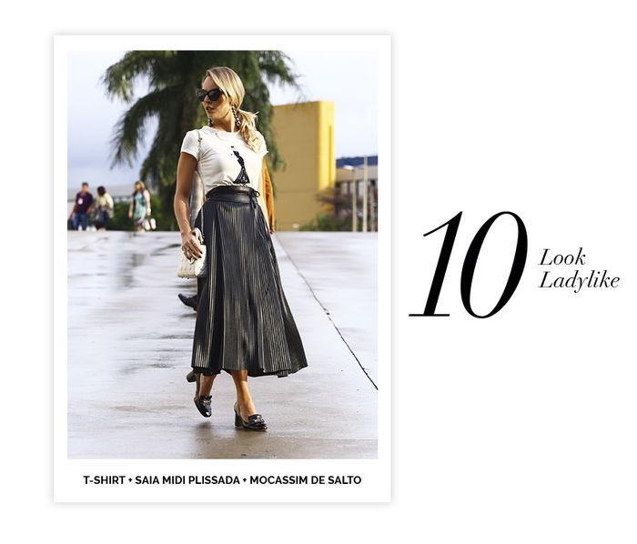 Layla Monteiro dicas de 10 looks para usar no domingo de páscoa look ladylike saia midi plissada preta com t-shirt camiseta mocassim de salto