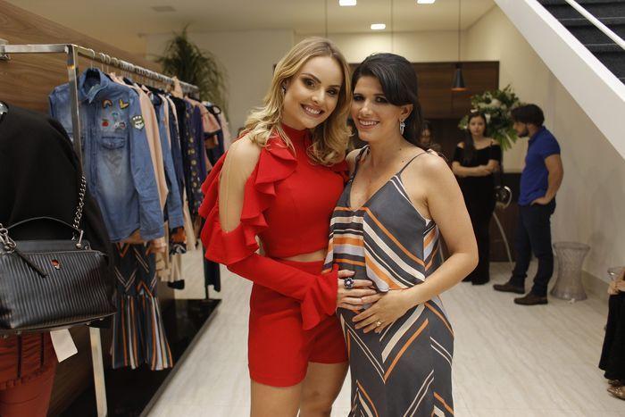 Layla na inauguração da Keila Gouveia Multimarcas