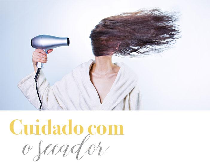 Dicas para cuidar do cabelo no verão - Cuidado com o secador